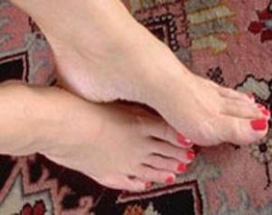 Чем лечить пораженные ногти на ноге грибком